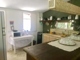 1545852575-casa-para-alugar-em-arraial-dajuda-bahia-cozinha.png
