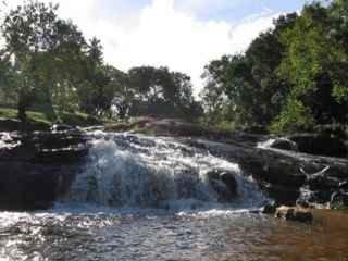 1568486701-cachoeira-da-dona-zilda-em-imbassai.jpg