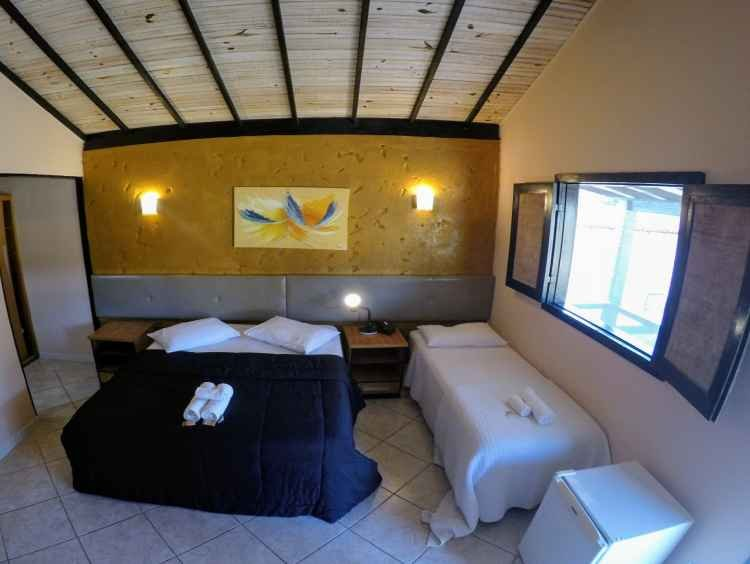 Chalé com cama queen size e cama de solteiro