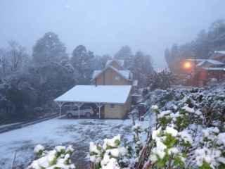 1593545019-pousada-em-gramado-serra-gaucha-neve.jpg